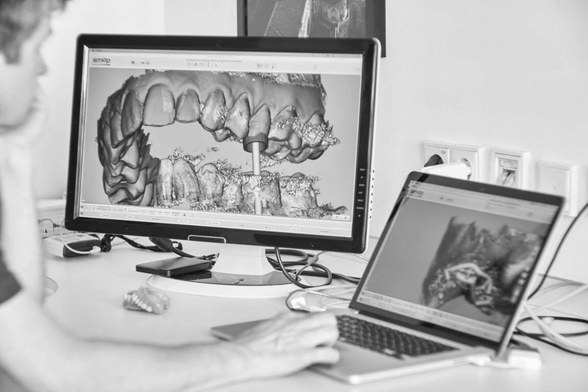 Implantologie in der Zahnmedizin